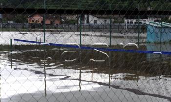 Kurt športovisko obec harichovce zaplavené ihriská vodná hladina